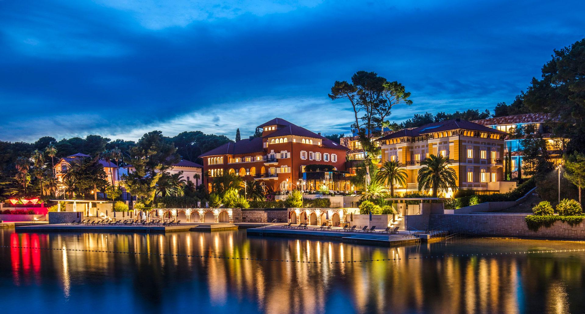fotografija hotela, eksterijer noću