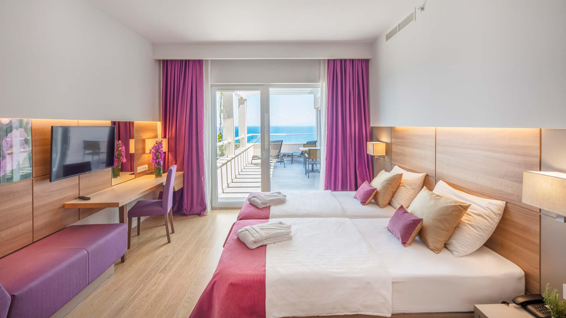 Fotografiranje hotelske sobe s terasom uz more
