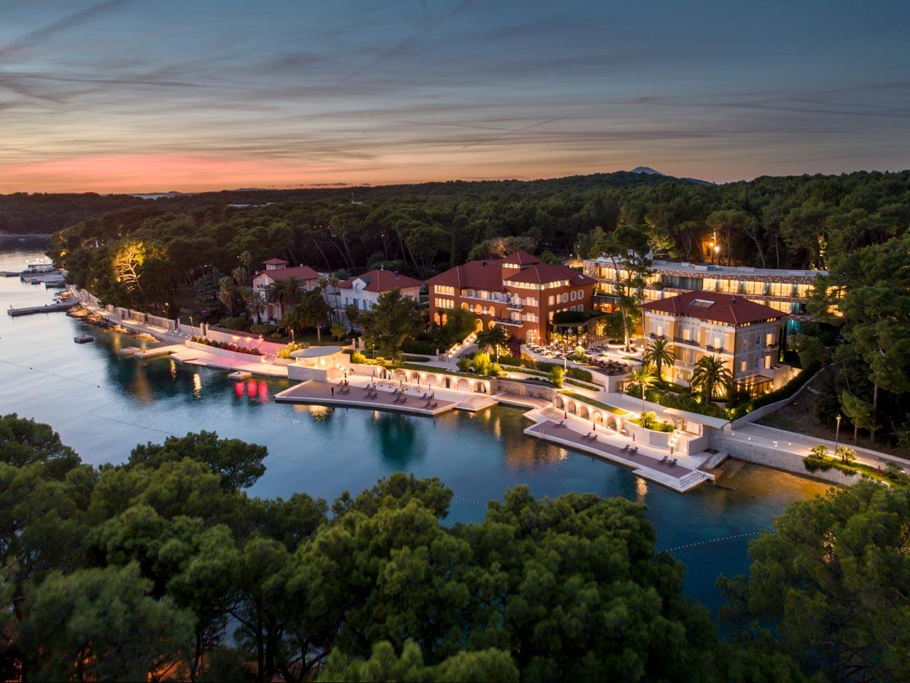 Panoramska fotografija hotela